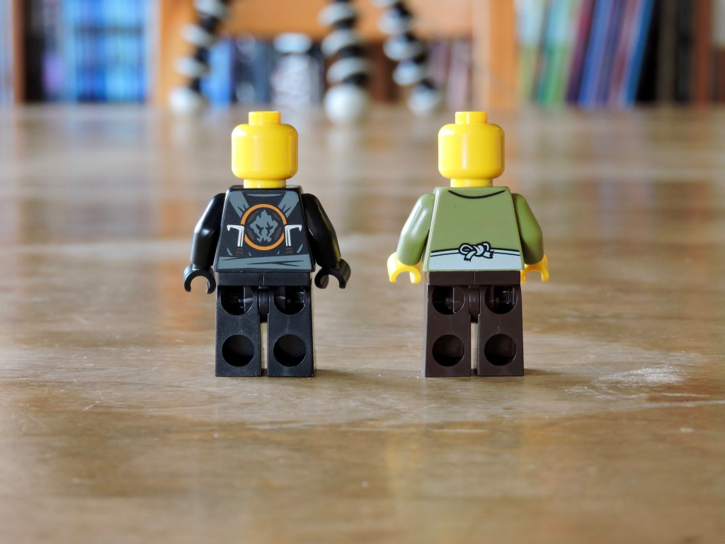 70751_bag_01_minifigs_back