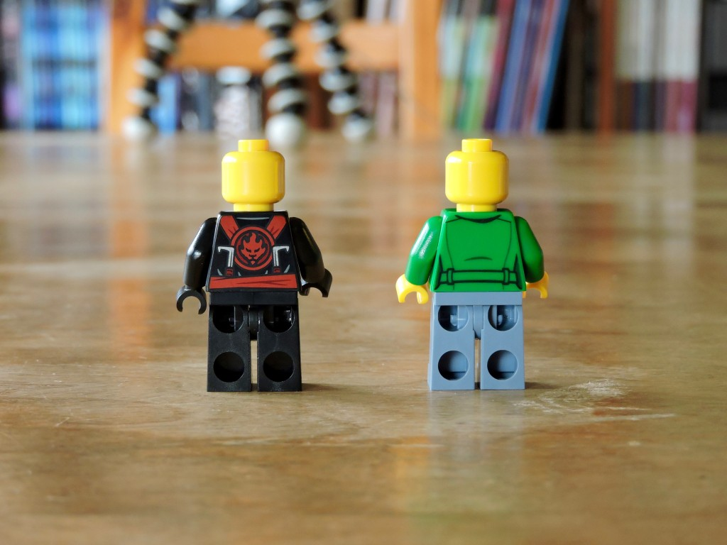 70751_bag_03_minifigs_back