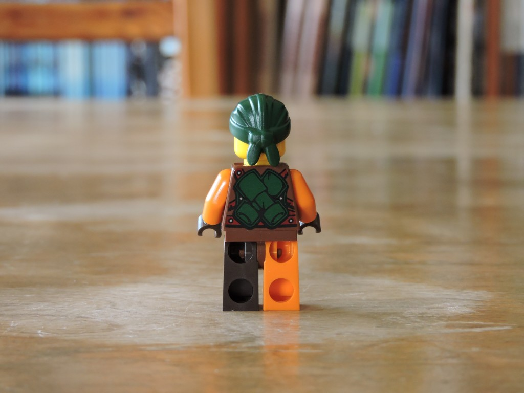 70605_bag_3_minifig_back
