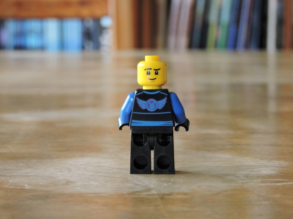 70605_bag_4_minifig_back